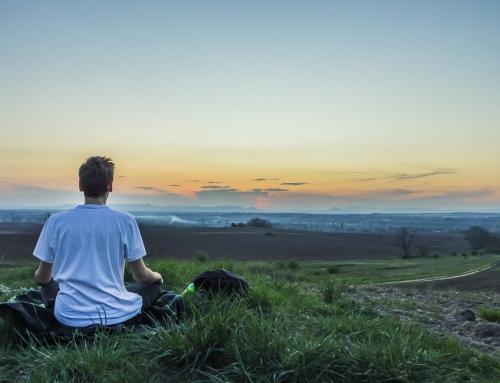 4 einfache Meditationen für mehr Ruhe und Gelassenheit